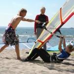 Surfauksen opetusta Yyterin rannalla. Kuva: Anne Kärki